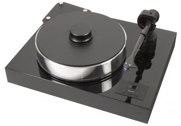 Project Xtension 10 Evolution Turntable in piano finish