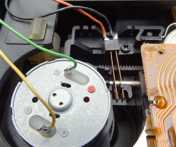 Re-soldering the motor control wiring to the VAM1202
